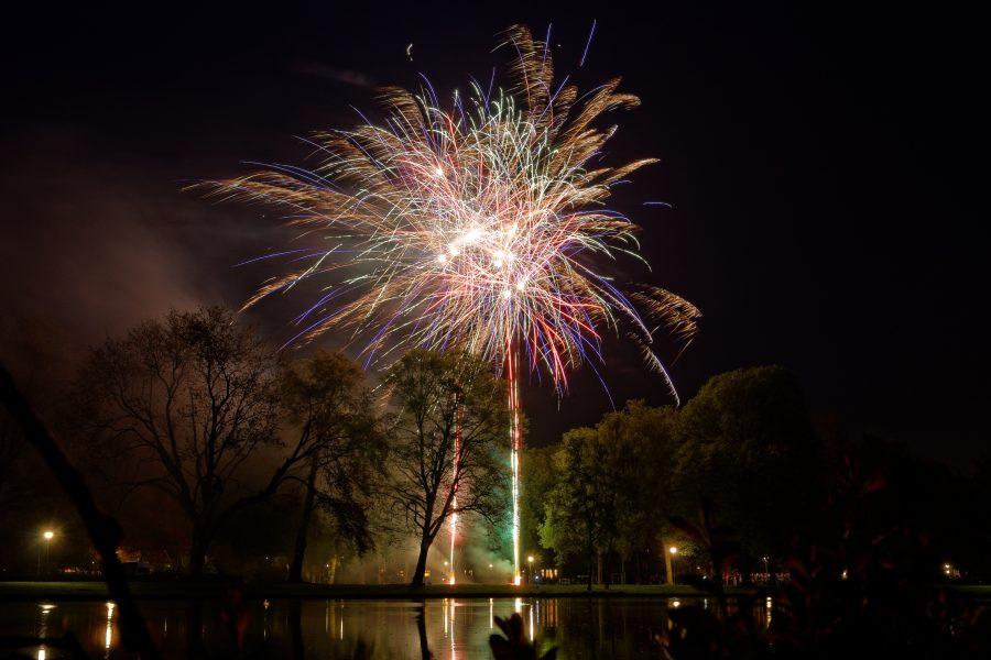 Oranje Vuurwerk Wilhelminapark – Koningsdag 2014